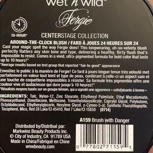 wet n wild Makeup - BNIB WET N WILD FERGIE AROUND THE CLOCK BLUSH